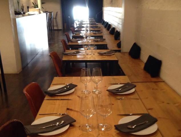 Interior del restaurant DOSCuiners de Mataró