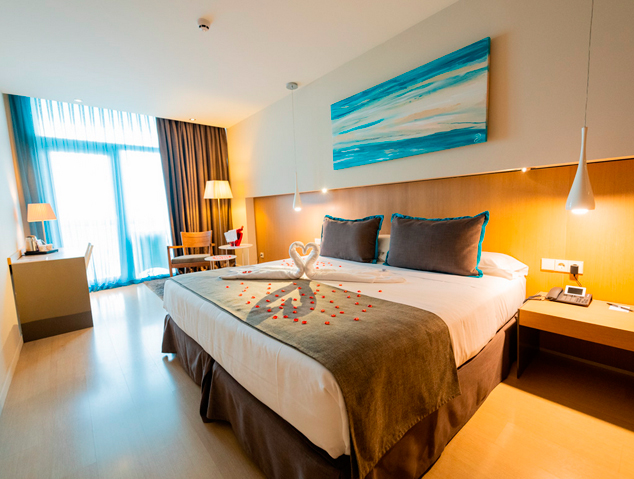 Una de les habitacions de l'Hotel Atenea Port de Mataró