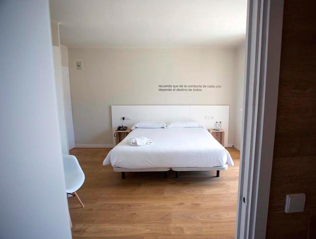 Una de les habitacions de l'Hotel Dynamic de Caldes d'Estrac