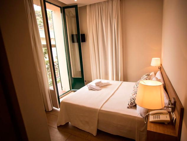Una de les habitacions de l'Hotel Kalima de Caldes d'Estrac
