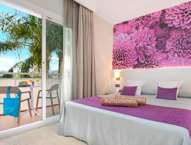 Una de les habitacions del Sumus Hotel de Malgrat de Mar