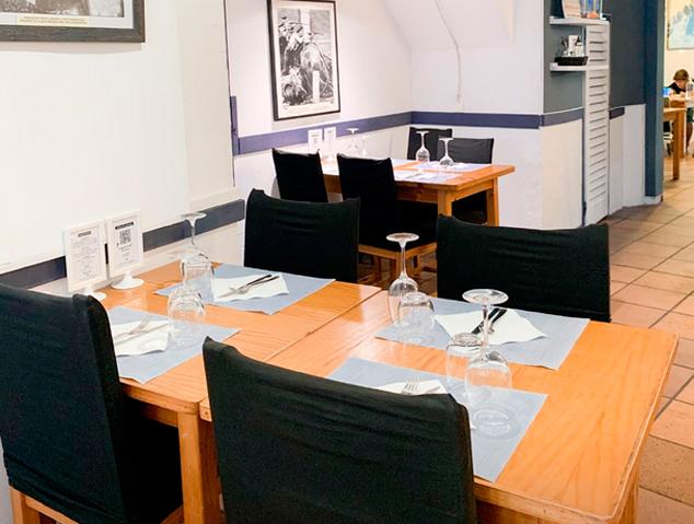 Interior del restaurant La Nova Fonda a Argentona
