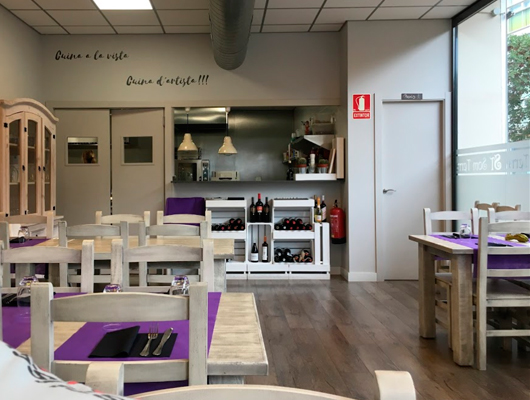 Interior del restaurant Som Terra de Mataró