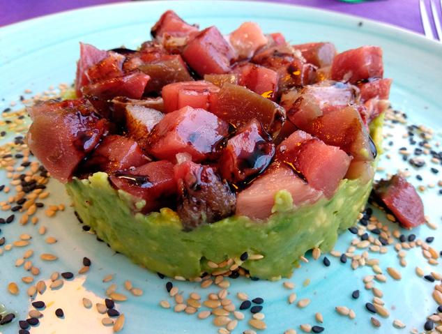 Tàrtar de tonyina del restaurant Som Terra de Mataró