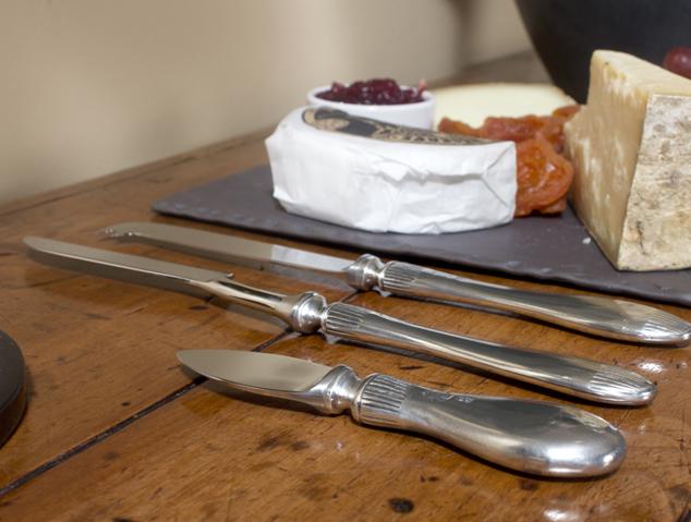 Ganivets especials per tallar formatge