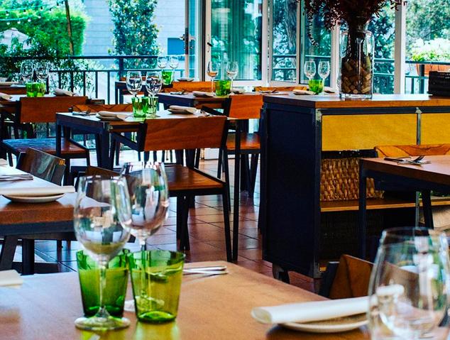 Interior del restaurant Els Garrofers