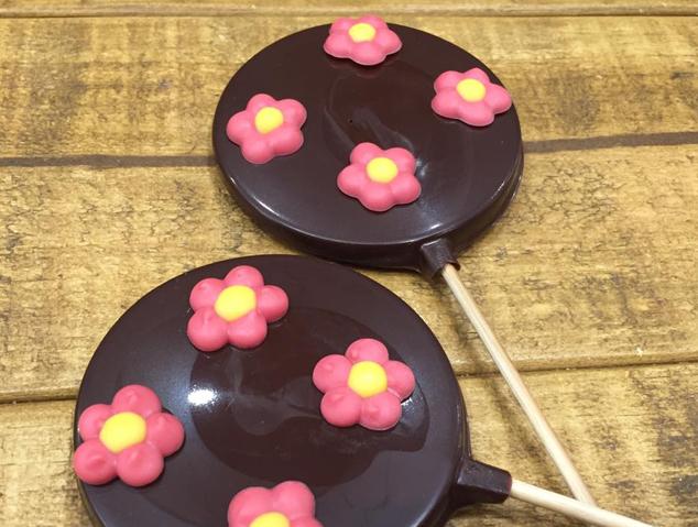 Piruletes de xocolata del nibs taller de xocolata
