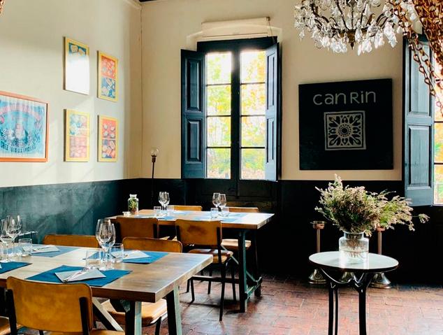 Interior del restaurant Can Rin de Cabrils