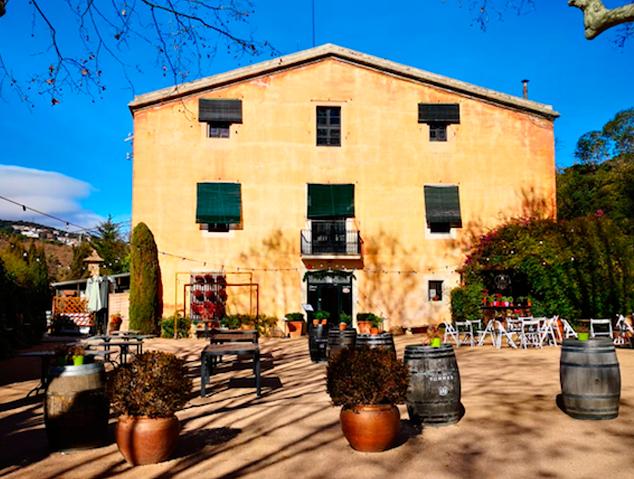 Exterior del restaurant Can Cabús a Alella