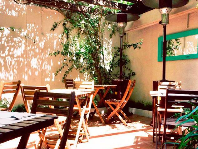La terrassa del restaurant Natural de Vilassar de Mar