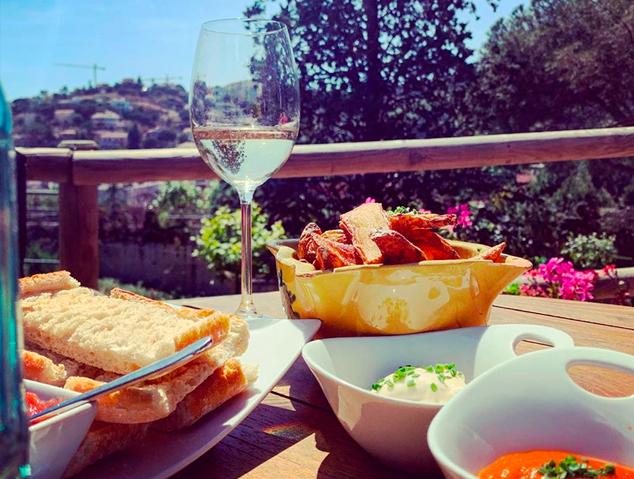 Un aperitiu a La Barraca by Els Garrofers
