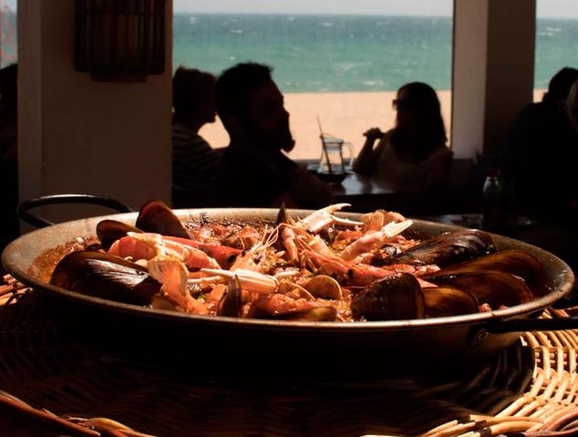 Paella del restaurant Emporium Lounge de Montgat