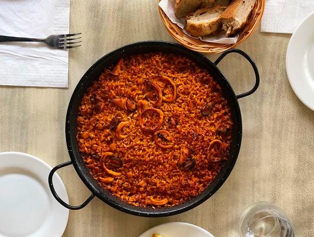 Paella Marinera del restaurant Som Terra de Mataró