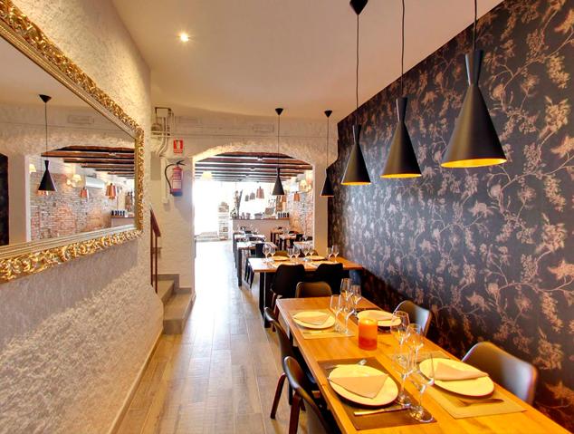 Menjador interior del restaurant La Júlia de Masnou