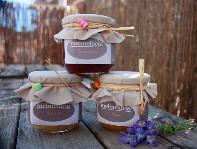 Tres melmelades de l'empresa Melmelària de Tiana