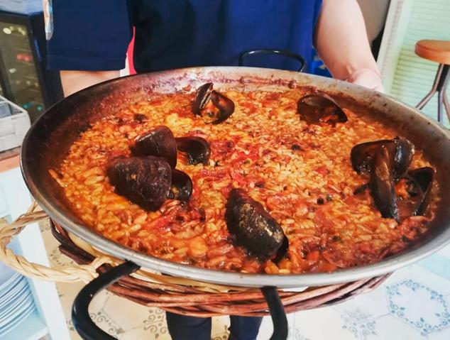 Una paella del restaurant El Palauet d'Arenys