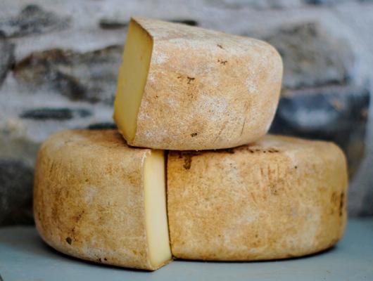Cinc formatges artesans per descobrir el Maresme