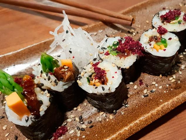 Un plat de sushi del restaurant Su. de Mataró