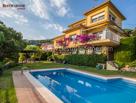 Luxury Houses by Best Maresme. Cabrils:  La llum del mediterrani