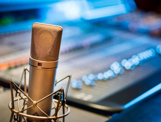 Una entrevista a la ràdio