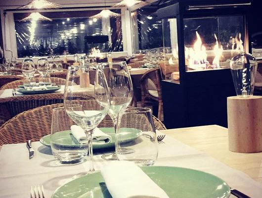 Interior del restaurant L'Oliver del Port Balís