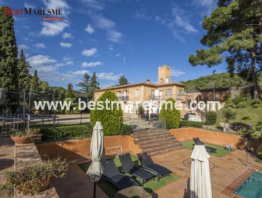 Luxury Houses by Best Maresme. Alella: Entre les vinyes i el Mediterrani