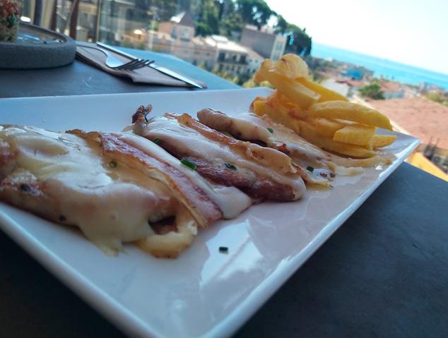 Esmorzar de forquilla al restaurant Dynamic de Caldes d'Estrac