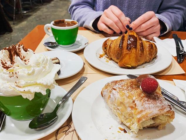 Un esmorzar a la pastisseria Uño de Mataró