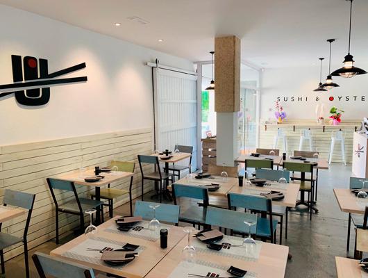 Interior del restaurant Yume Susi & Oysters de Vilassar de Mar