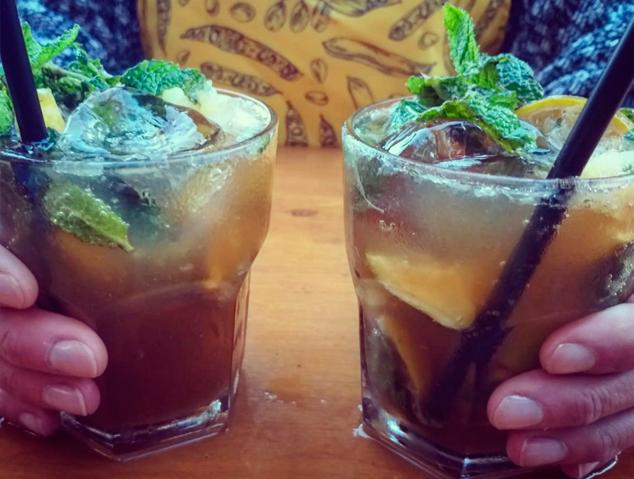 Una copa dels Garrofers d'Alella
