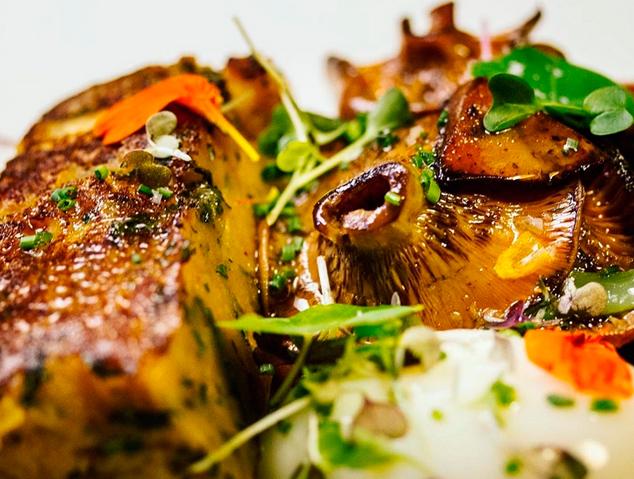 Un plat de bolets del restaurant Els Garrofers d'Alella