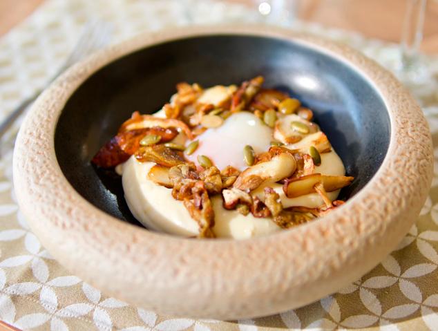 Ous a baixa temperatura amb ceps i parmentier de patata - Racó 19 (Sant Vicenç de Montalt)