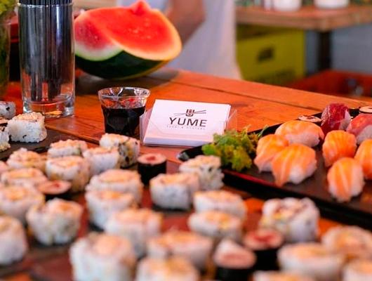 Una taula de sushi en un event organitzat per Yume Sushi & Oysters