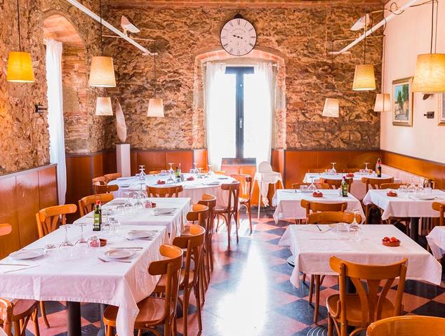 Interior del restaurant Sant Jaume de Premià de Dalt