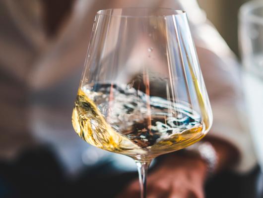 5 vins catalans ideals per maridar amb Pèsols