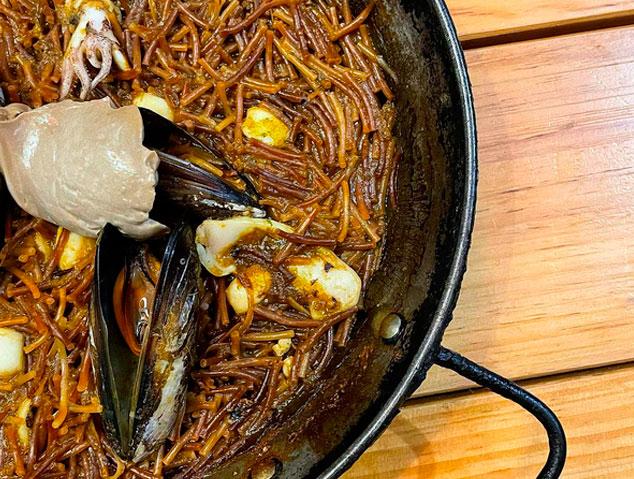 Fideuà del restaurant Suka de Mataró