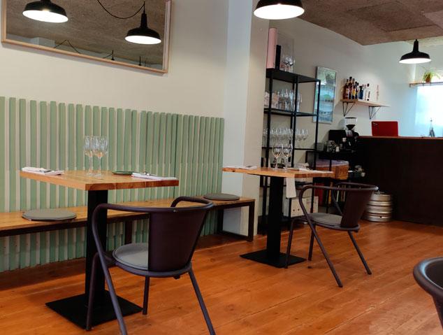 Interior del restaurant Allium de Mataró